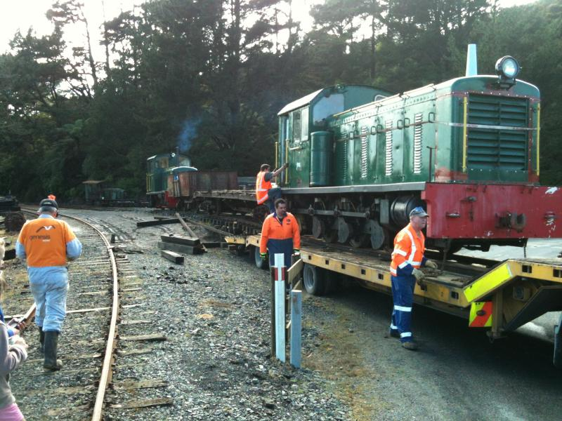 Loading the loco on Sunday 19th October onto a Porter Heavy Haulage low loader